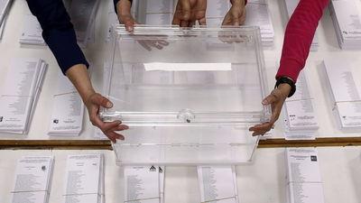 elecciones_25_de_mayo-Europeas_2014-votos-urnas-preparacion_MDSIMA20140524_0019_13