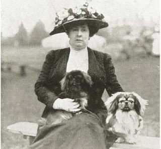 Mrs Herbert con Mai-Mai y Yen Chu