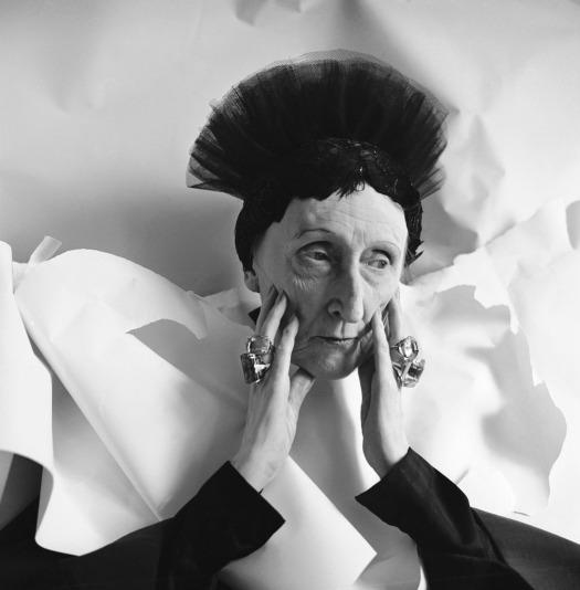 1962, las fotografías tomadas por su 75 cumpleañosCecil-Beaton-Portrait-of-Edith-Sitwell-1962-1