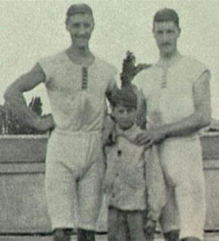 François_Brandt,_Roelof_Klein_and_unknown_French_Boy_(1900_Summer_Olympics)_cropped
