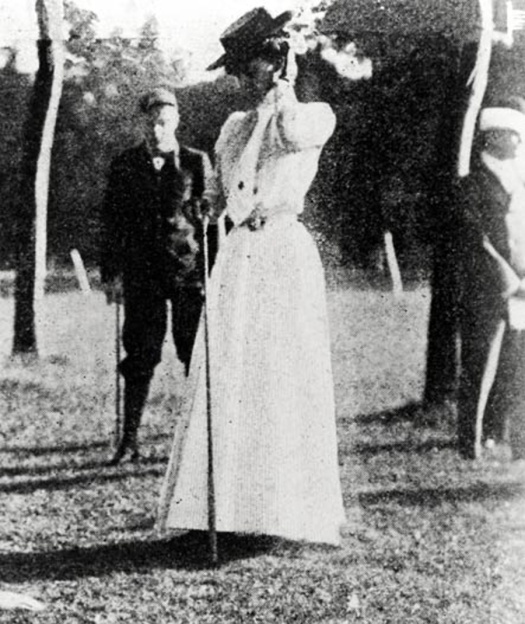 Margaret-abbott-gold-medal-1900-golf