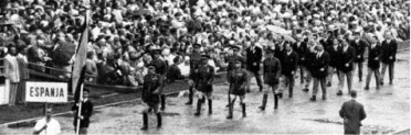 Helsinki 1952 Luis Omedes abanderado del equipo español (Foto Raport Oficial)