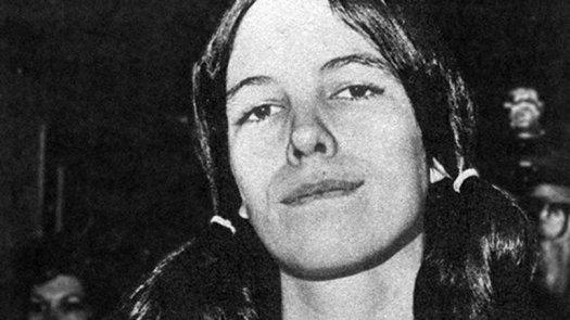Leslie Van Houten con 19 años, cuando fue detenida.